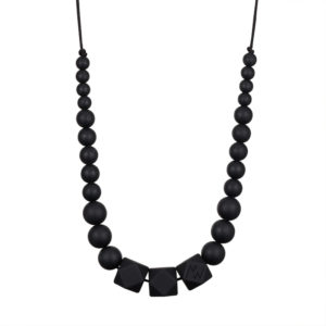 collier colomba noir