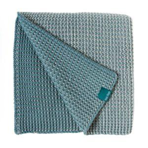 couverture pour bébé tricotée bleu en maille