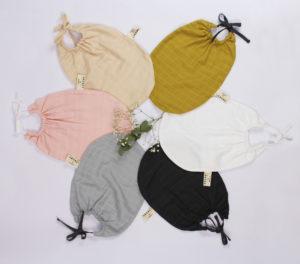 jolie selection de bavoir en coton pour trousseau de naissance