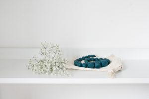 collier de portage et d'allaitement bleu canard cadeau de naissance