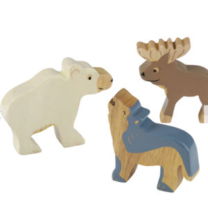 figurine en bois pour bébé
